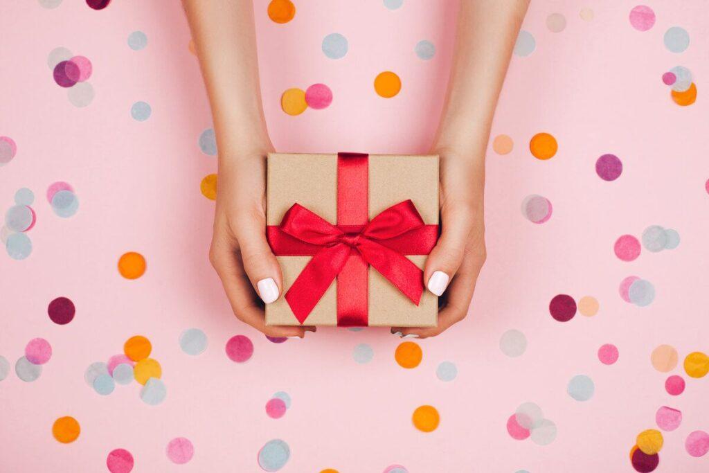 1. Cadouri pentru nași - cum să alegi darul potrivit