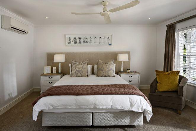 2.Lumina în cameră - pat camera alba