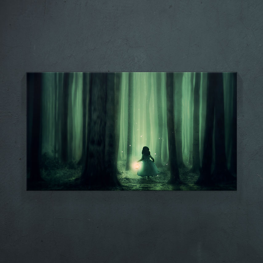 Tablou canvas Fetiță în pădure - Pepanza.ro